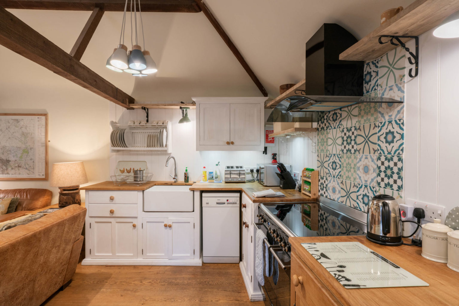 2019 Waterperry kitchen side on