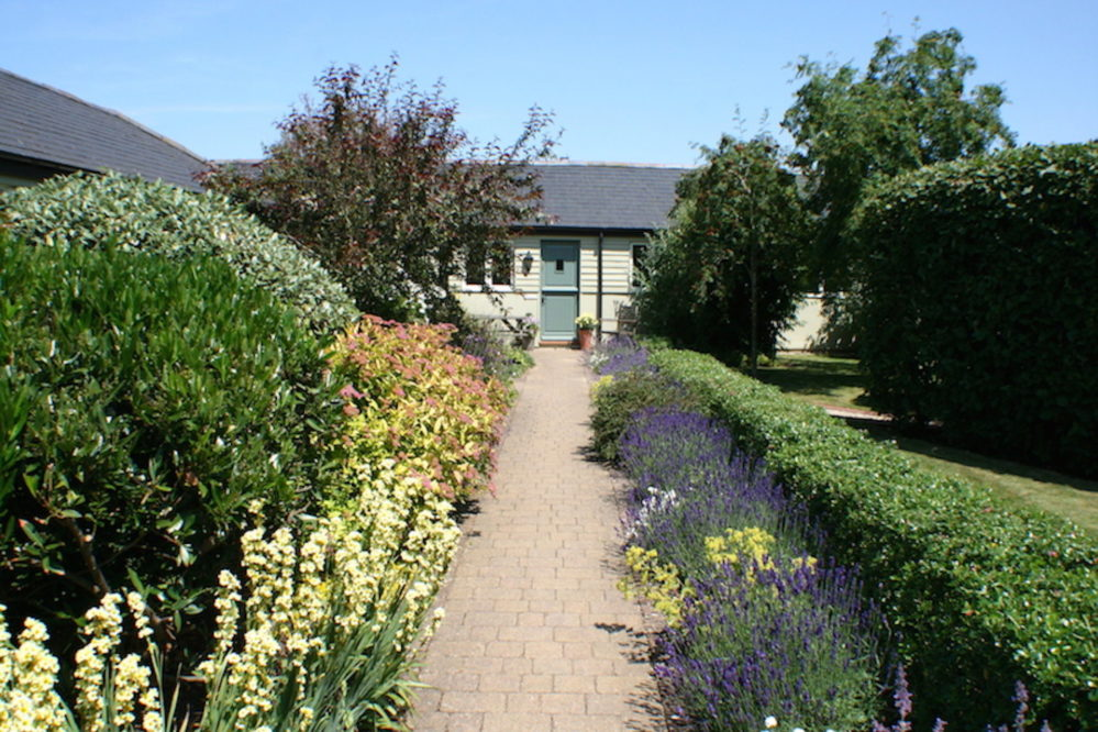 Courtyard path to Blenheim