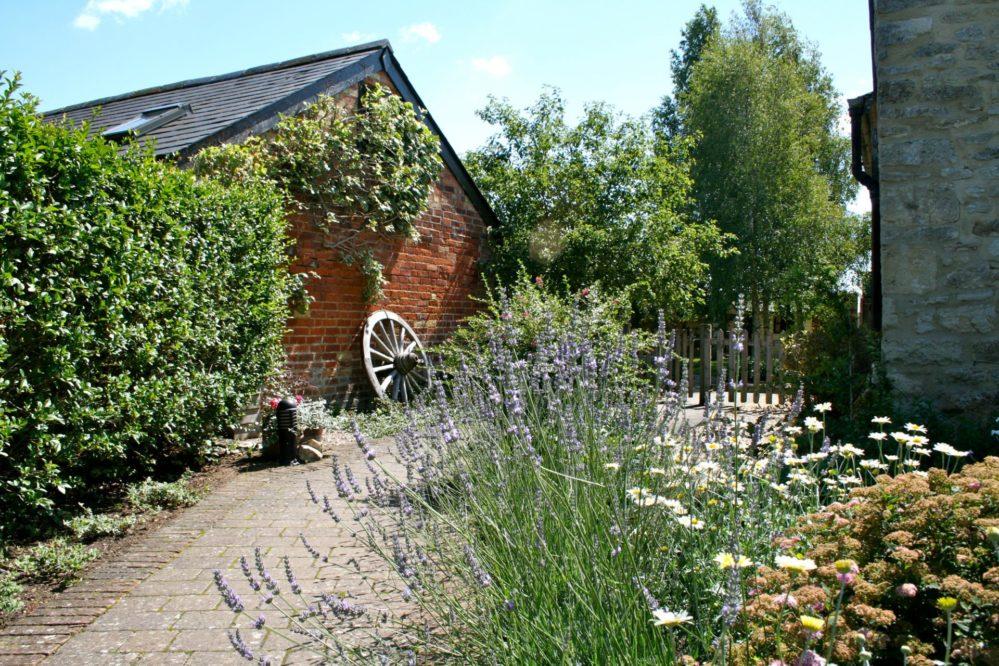 Gardens Vis Oxon Dec '11