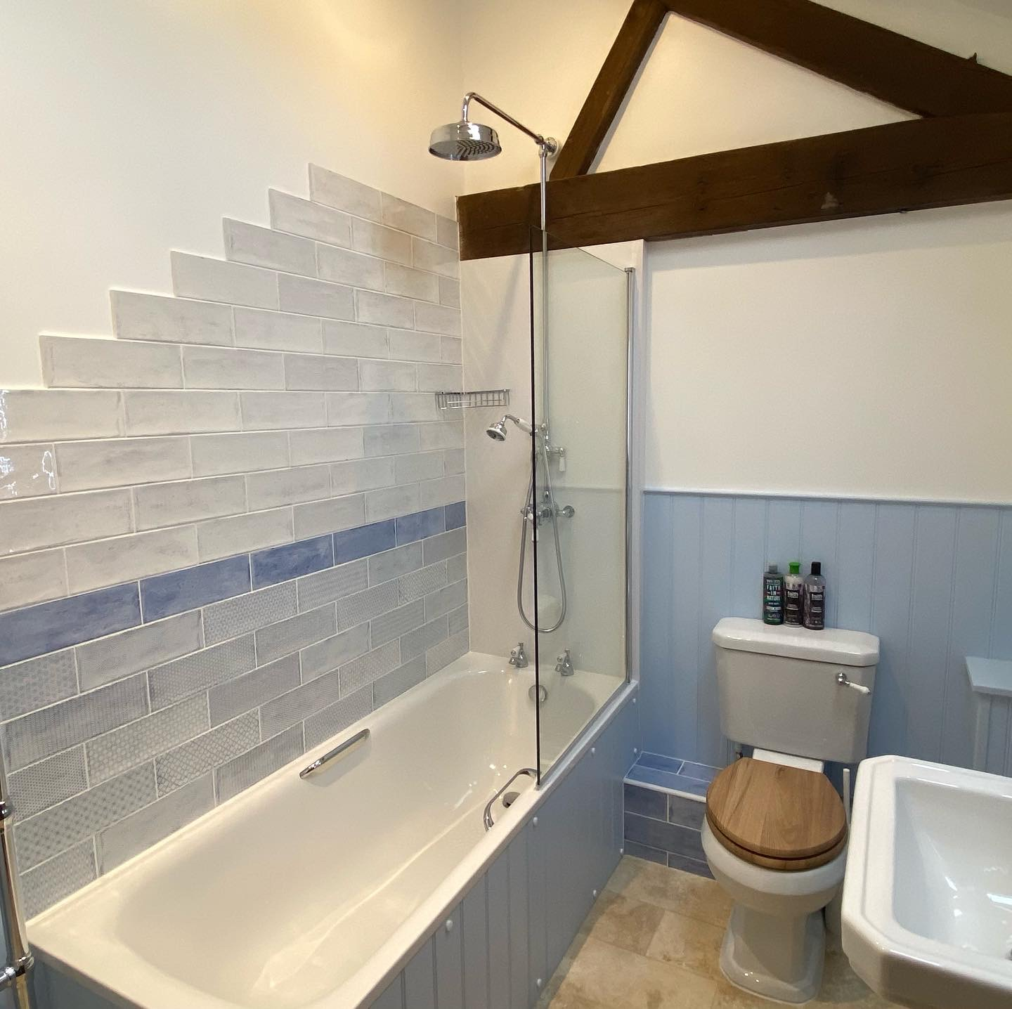 Waterperry-Bathroom2